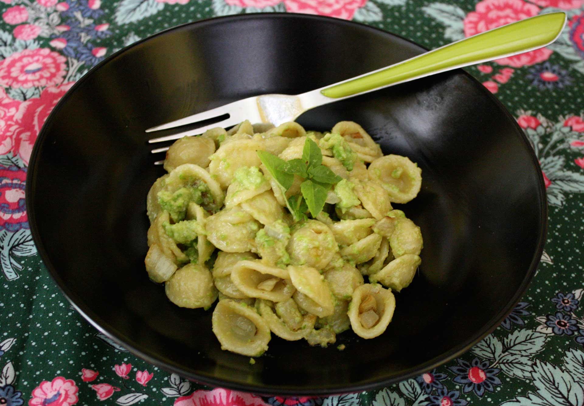 Idée Repas Italien Orecchiette au pistou de petits pois et marmelade de fenouil