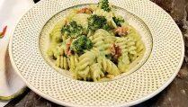 fusilli-aux-brocolis-et-noix-de-grenoble-recette-décembre-partage-gourmand