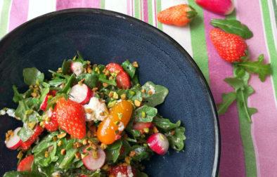 Résultat final de la recette salade de fraises, roquette et chèvre